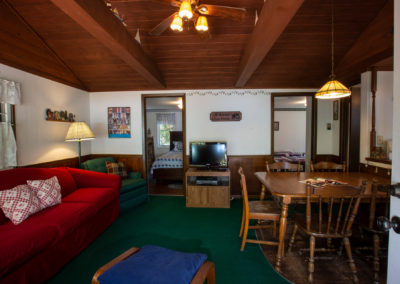 cheap vacation rentals, vacation cabin near me, cabins stays near me, waterfront vacation rentals, cabins for rent in door county wi, romantic cabin rentals near me, wisconsin vacation rentals, north shore cabins for rent, lake cottages for rent, kangaroo lake,